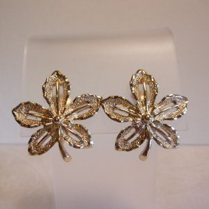 Sarah Coventry Gold Tone Ivy Leaf Clip Earrings